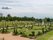 UK_London_Hampton Court Palace Garden