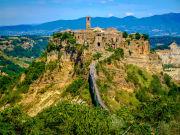 Italy_Civita_di_Bagnoregio_shutterstock_484443667
