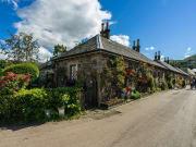 Scotland_Luss_Loch Lochmond Stone Cottages