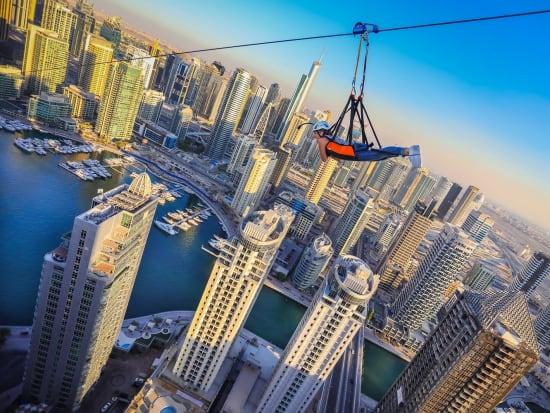 ドバイ  X LINE(エックス・ライン)世界最長の都市型ジップライン☆ GoProで撮影した写真&動画付き!<ドバイ・マリーナ・モール> | ドバイの観光・オプショナルツアー専門 VELTRA(ベルトラ)