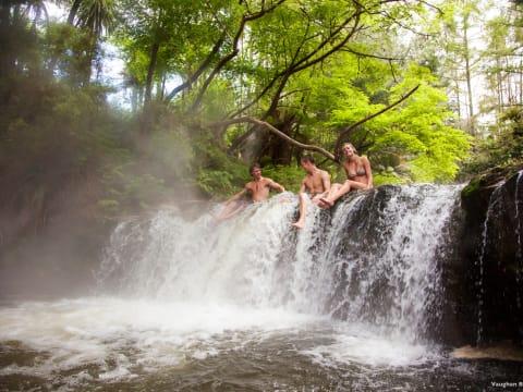 ロトルア | ニュージーランドの観光・オプショナルツアー専門 VELTRA(ベルトラ)