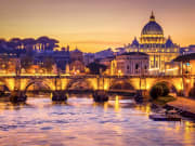 Tiber, Dinner cruise, Live music