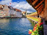 Switzerland_Lucerne_Chapel_Bridge_shutterstock_157553498