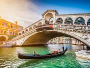 Italy_Venice_Rialto_Bridge_shutterstock_285467630