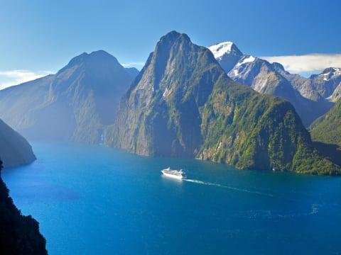 ミルフォードサウンド | ニュージーランドの観光・オプショナルツアー専門 VELTRA(ベルトラ)