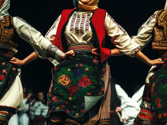 folk show dancers