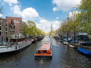 Amsterdam_Canal_Cruise_shutterstock_500644582