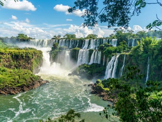 Argentina_Igauzu_shutterstock_1338447983