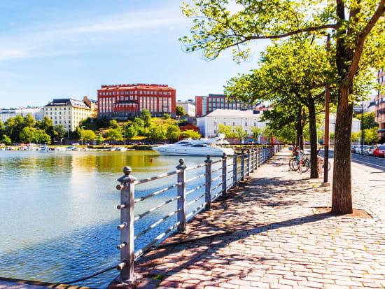 Copy_Finland_Helsinki_shutterstock_722640568