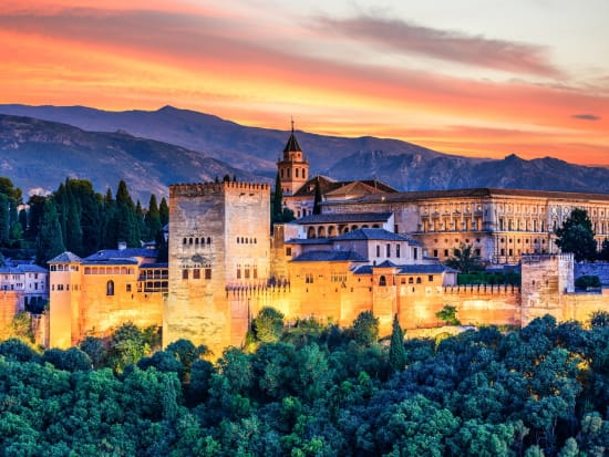 Granada Sunset Private Walking Tour with Albaicin and