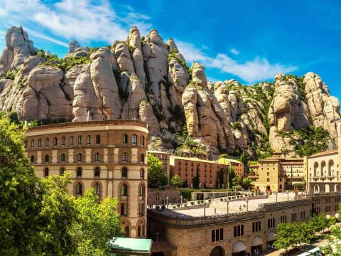 モンセラットの観光情報 | バルセロナ 旅行の観光・オプショナルツアー予約 VELTRA(ベルトラ)