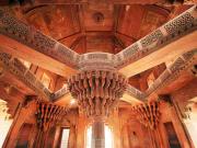 India_Agra_fatehpur sikri_shutterstock_372610549