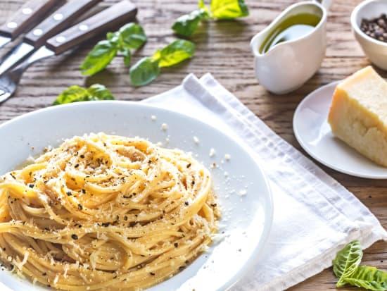 Cacio e pepe, Pasta, Italy