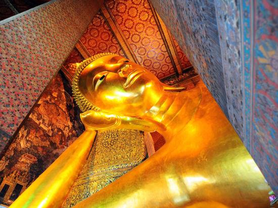Thailand_Bangkok_Wat_Pho_shutterstock_118971730
