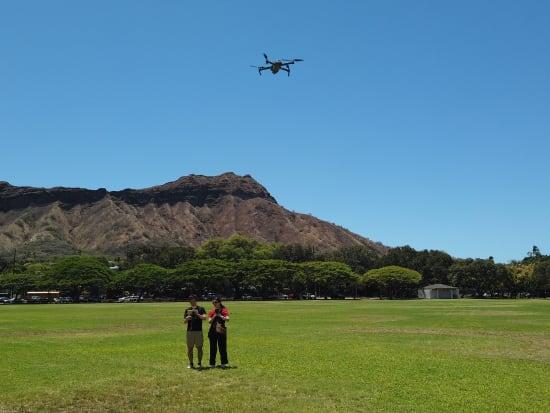 ドローン操縦体験  | ハワイ(オアフ島)の観光・オプショナルツアー専門 VELTRA(ベルトラ)