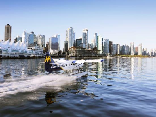 Canada_Vancouver_Seaplane flight_Canada Place