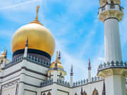 Singapore_Sultan_Mosque_shutterstock_1439841587