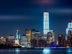 USA_NY_Skyline_Night_StatueOf Liberty_shutterstock_274465769