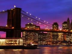 USA_New_York_Manhattan_Brooklyn_Bridge_Sunset_AdobeStock_80459106