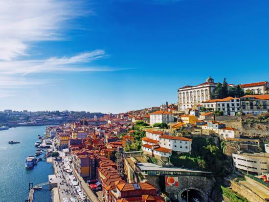 Portugal_Porto_shutterstock_572018059