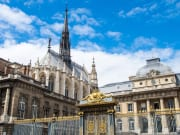 France_Paris_Saint_Chapelle_shutterstock_302774552