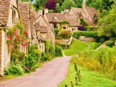 UK_Cotswolds_Arlington-Row_shutterstock_172701116