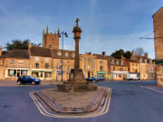 UK_Cotswold_Stow_on_the_wold_shutterstock_52138282