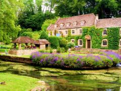 Cotswold_Bibury_Swan Hotel_shutterstock_93772714
