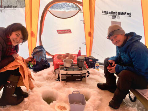 ワカサギ釣り (2020 冬季限定ツアー(12月~)) | 札幌近郊の観光&遊び・体験・レジャー専門予約サイト VELTRA(ベルトラ)