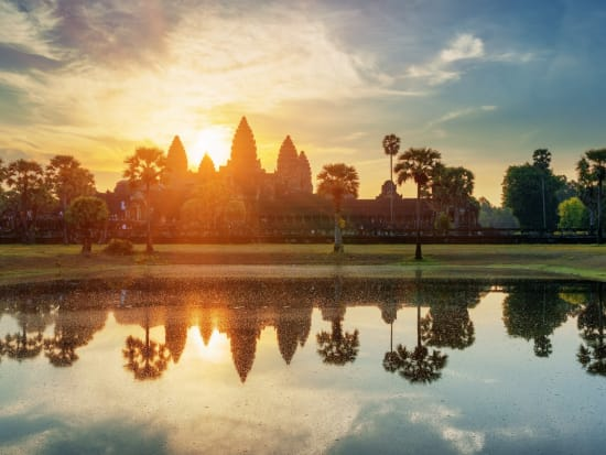 SiemReap_AngkorWat_Sunrise_shutterstock_339593105