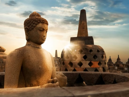 Indonesia_Borobudur_Sunrise_shutterstock_1031047315