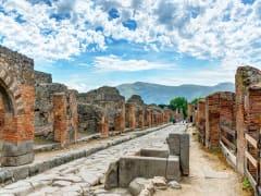 pompeii from naples