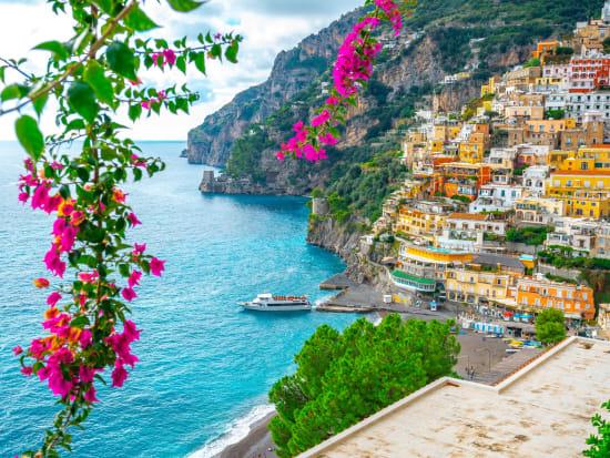 Italy_Positano_shutterstock_1657127404