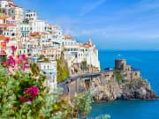 Italy_Amalfi_shutterstock_1376103113