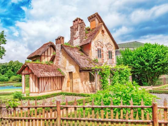 France_Versailles_Chateau_Palace_Queen_Marie_ Antoinette's_ estate_shutterstock_484761589