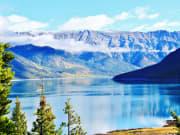 Canada_Banff_Minnewanka lake_shutterstock_404638198
