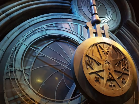 harry potter studio tour london, pendulum, azkaban