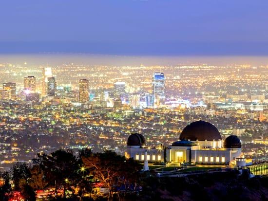 USA_LA_HollywoodHills_nightwiew_shutterstock_228216118