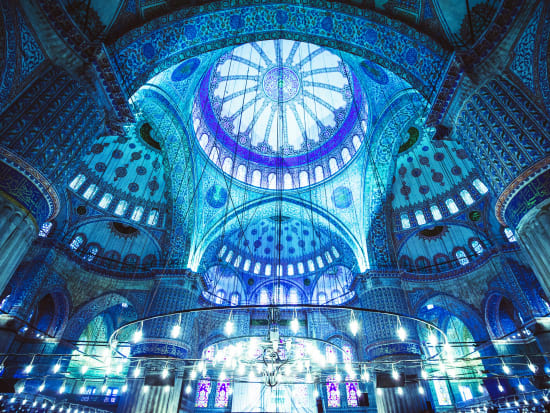 Turkey_Istanbul_Blue_Mosque_shutterstock_185429441