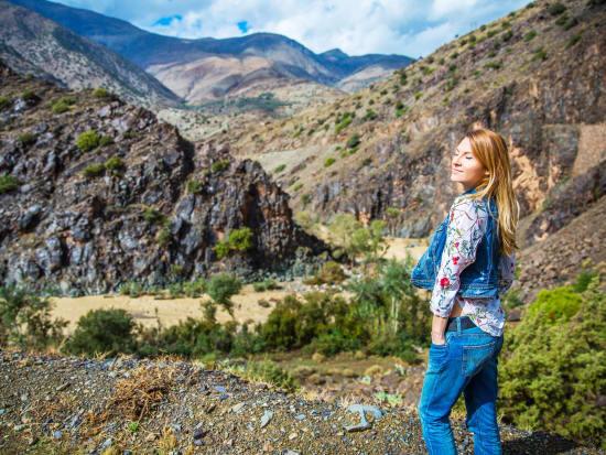 Atlas_Mountains_Morocco_Woman_Tourist