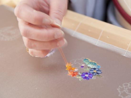 刺繍作業1