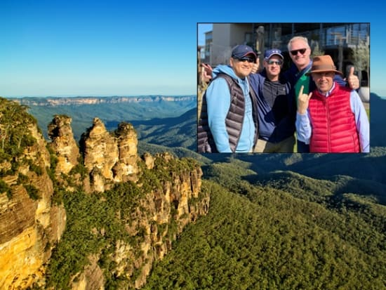 Australia_NSW_Sydney_Three Sisters rock_shutterstock_263120612 - コピー