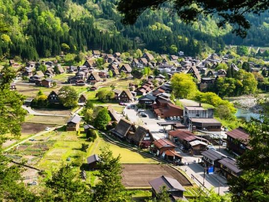 Japan_Gifu_Shirakawago_shutterstock_474545074