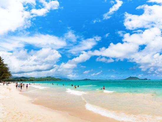 Hawaii_Oahu_Kailua_beach_shutterstock_780810367