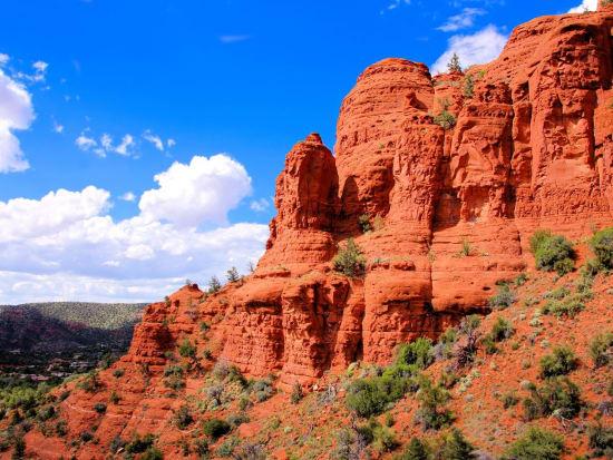 USA_Sedona_Red cliffs_123RF_26930845_ML