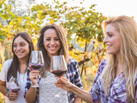 Generic_Wine_shutterstock_494852557