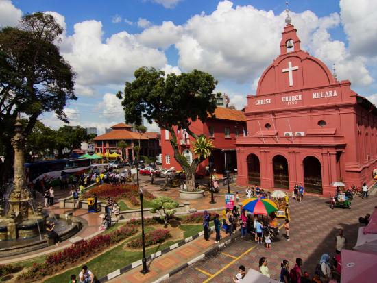Malaysia_Malacca_Christ Church_Dutch Square_shutterstock_154098134