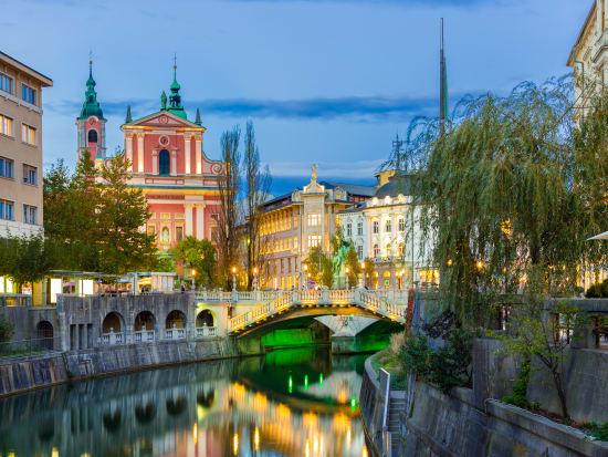 Slovenia_Ljubljana_shutterstock_229650388