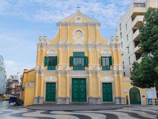 Macau_St.Dominics Church_shutterstock_702631708