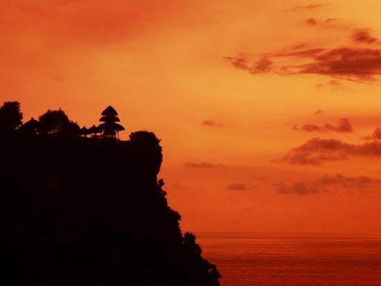 Indonesia_Bali_Pura Uluwatu at sunset_shutterstock_547444819